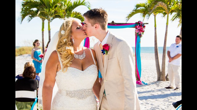professional wedding photographer, Grand Plaza, St. Pete Beach, avstatmedia.com (17)