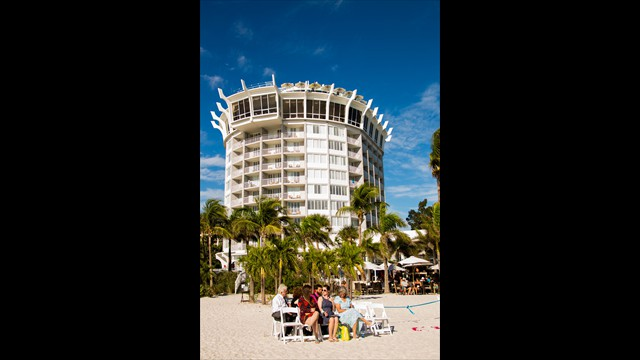 professional wedding photographer, Grand Plaza, St. Pete Beach, avstatmedia.com (9)