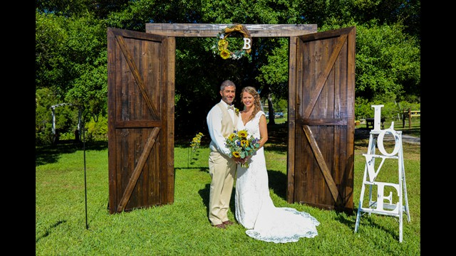 professional wedding photography, Bunker Hill Vineyard, Parrish FL, avstatmedia.com (13)