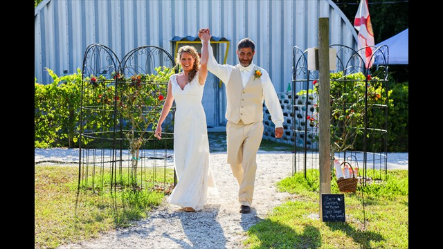 professional wedding photography, Bunker Hill Vineyard, Parrish FL, avstatmedia.com (4)